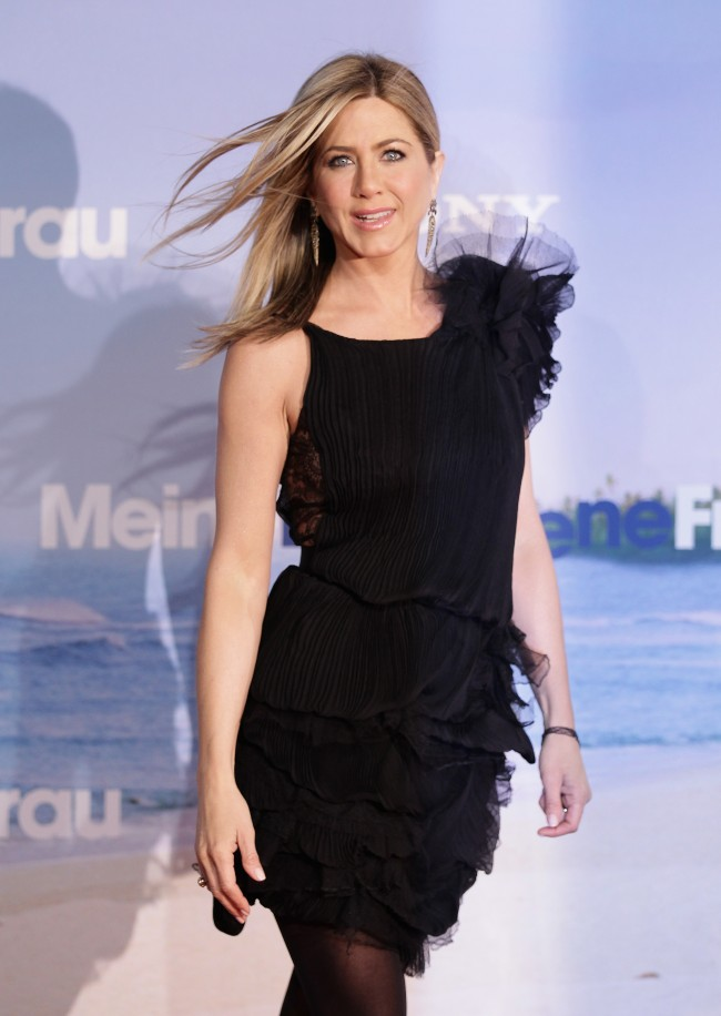 BERLIN, GERMANY - FEBRUARY 21: Actress Jennifer Aniston attends the 'Meine Erfundene Frau' (Just go with it) Germany Premiere at CineStar on February 21, 2011 in Berlin, Germany