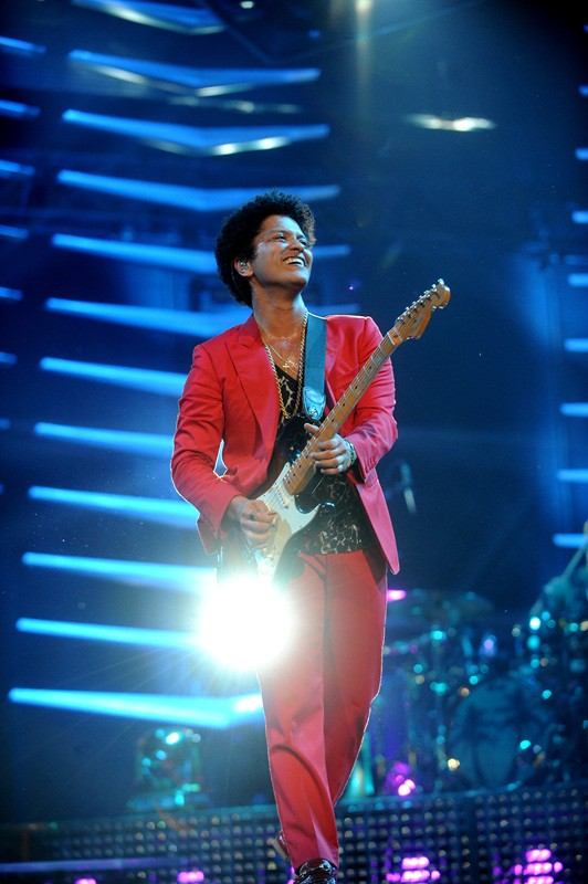 NEW YORK, NY - JUNE 29: (EXCLUSIVE ACCESS, SPECIAL RATES APPLY, EDITORIAL USE ONLY) Grammy Award winner, Platinum record producer and artist Bruno Mars performs at Barclays Center on June 29, 2013 in New York City.