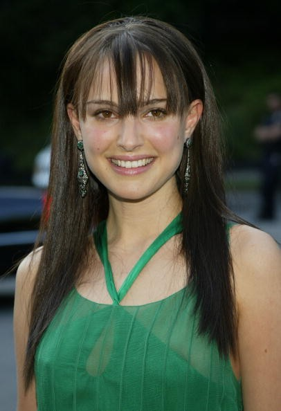 NEW YORK - JUNE 3: Actress Natalie Portman arrives at the Fresh Air Fund 'Salute To American Heroes' gala event June 3, 2004 at Tavern on the Green in New York City.