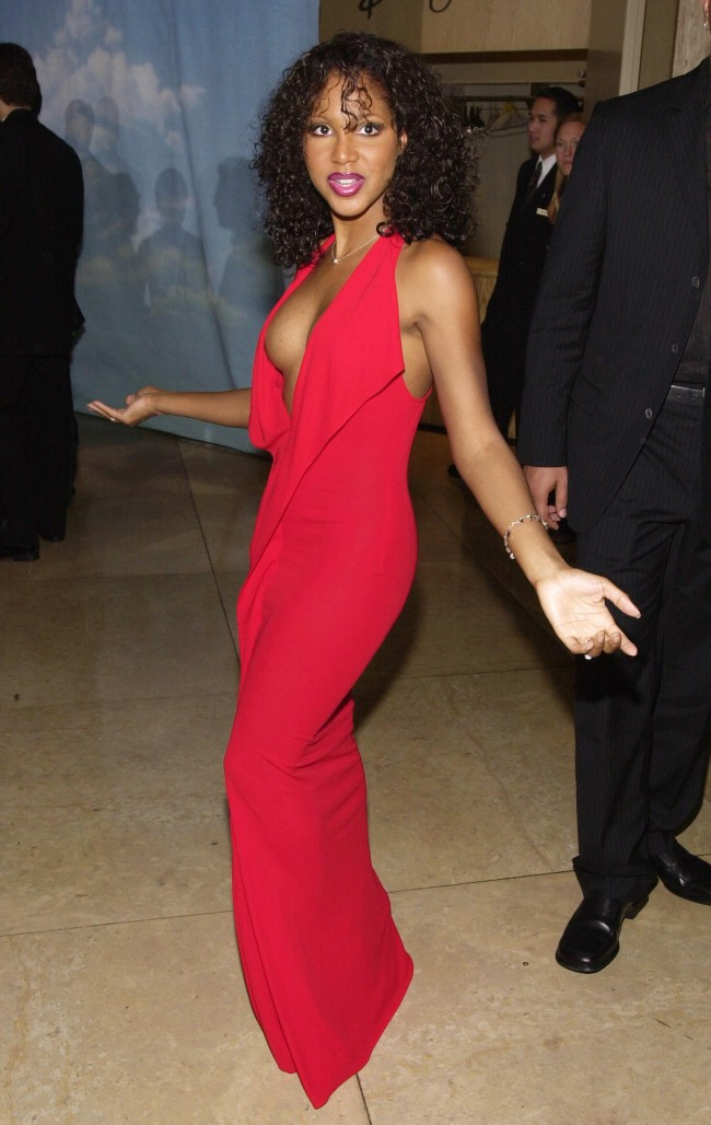 Performer Toni Braxton arrives at The Carousel of Hope Ball benefiting The Barbara Davis Center for Childhood Diabetes October 28, 2000 at the Beverly Hills Hilton in Beverly Hills, CA.