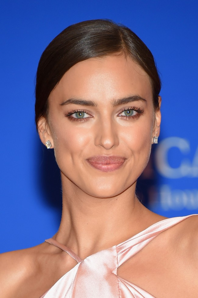 WASHINGTON, DC - APRIL 25: Model Irina Shayk attends the 101st Annual White House Correspondents' Association Dinner at the Washington Hilton on April 25, 2015 in Washington, DC.