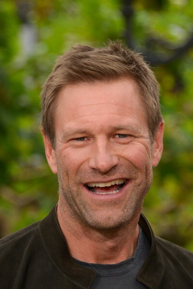 Aaron Eckhart visits 'Extra' at The Grove on April 30, 2013 in Los Angeles, California.