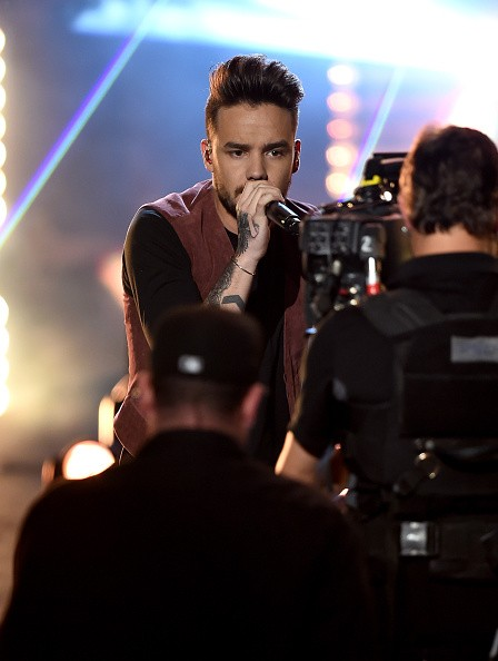 Caption:LOS ANGELES, CA - NOVEMBER 22: Singer Liam Payne of One Direction performs onstage during the 2015 American Music Awards at Microsoft Theater on November 22, 2015 in Los Angeles, California. (Photo by Kevin Winter/Getty Images)