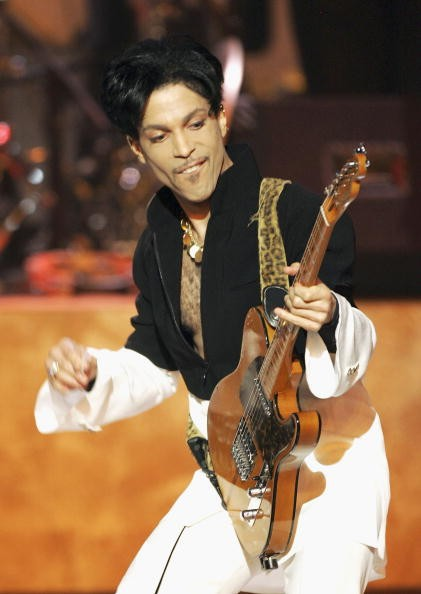Musician Prince performs on stage at the 36th Annual NAACP Image Awards at the Dorothy Chandler Pavilion on March 19, 2005 in Los Angeles, California.
