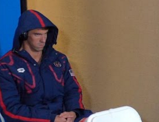 Phelps Shoots Death Stare to Chad Le Clos