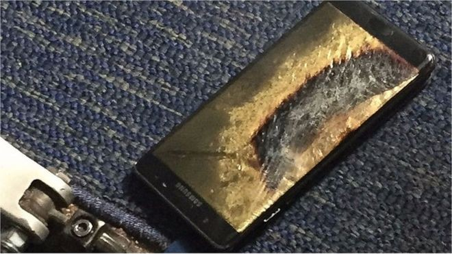Samsung Galaxy Note 7: Second 'safe' replacement catches fire