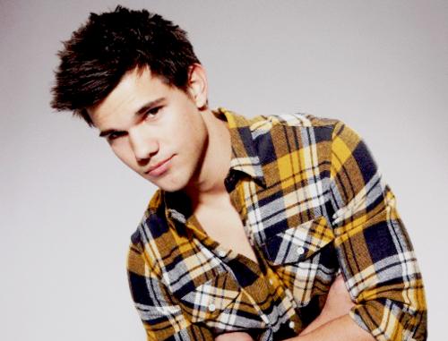 Taylor Lautner (Source: Tumblr.com)