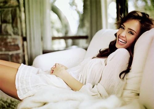 Jessica Alba (Source: Tumblr.com)